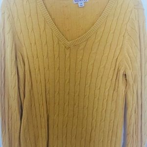 Pullover sweater